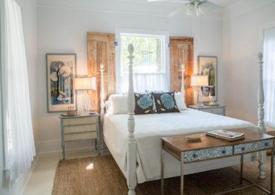 Taylor Inn The Blue Room